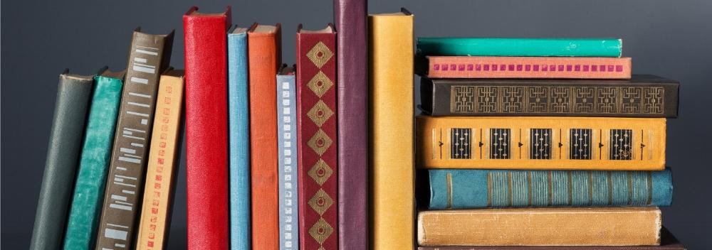 bookshelf-organization.jpg