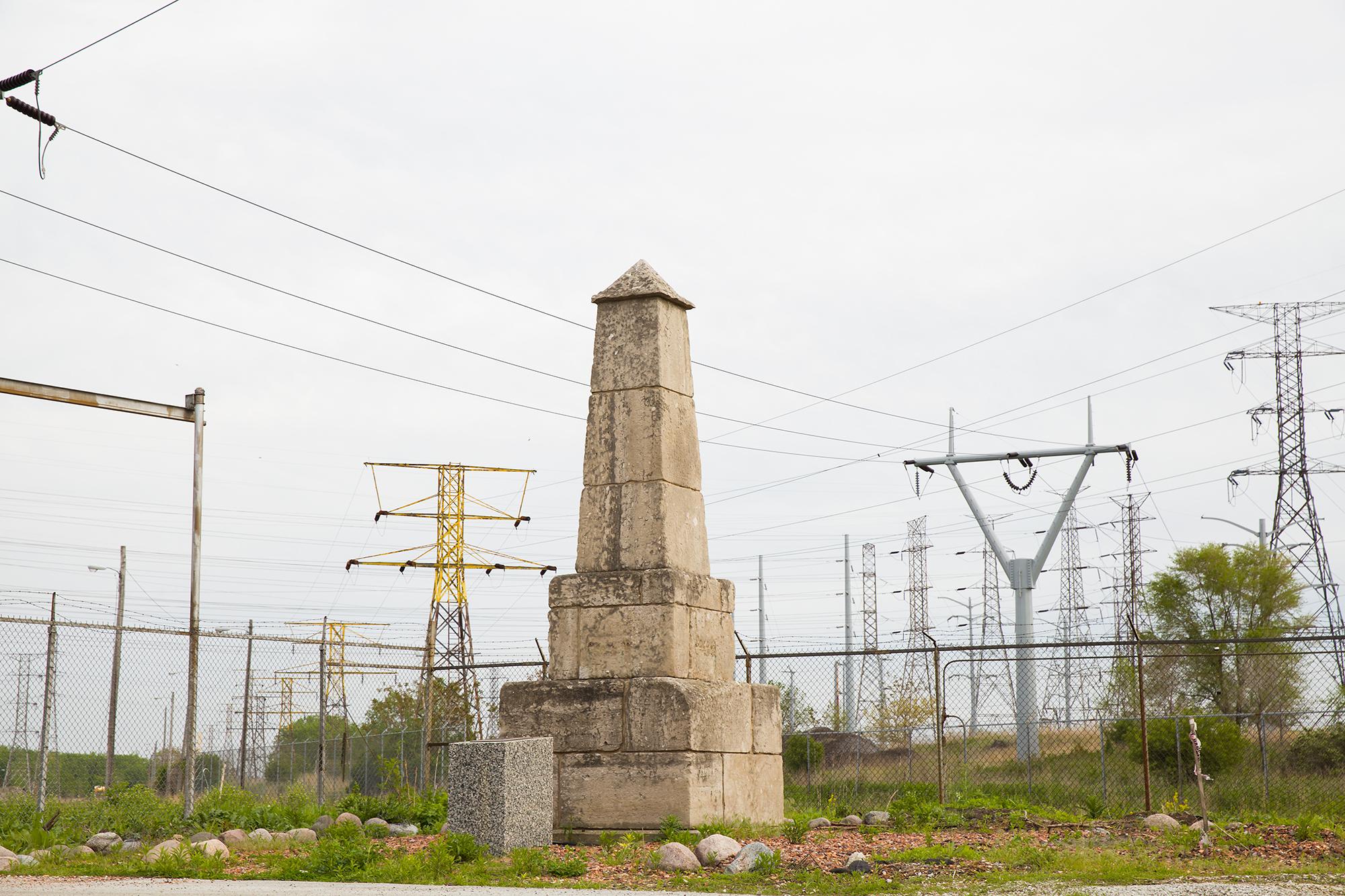 illinois/indiana obelisk