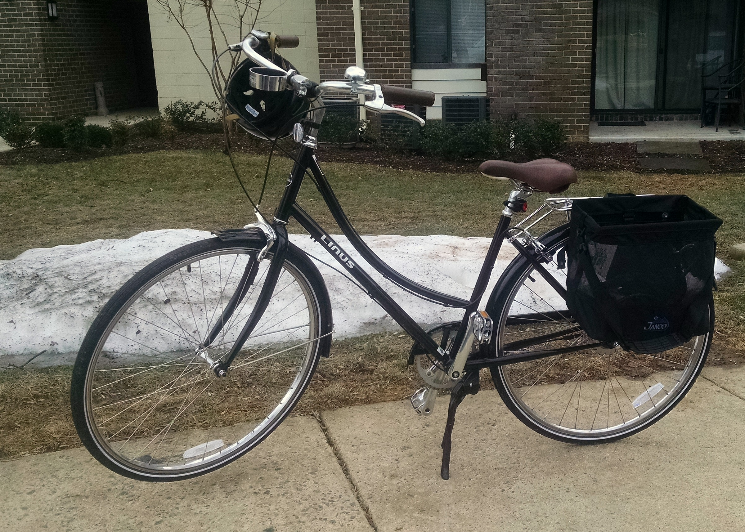 This is my city bike.  Its a Linus Dutchi 8 and her name is Peggy.  I can't believe I got to ride her outside in February!