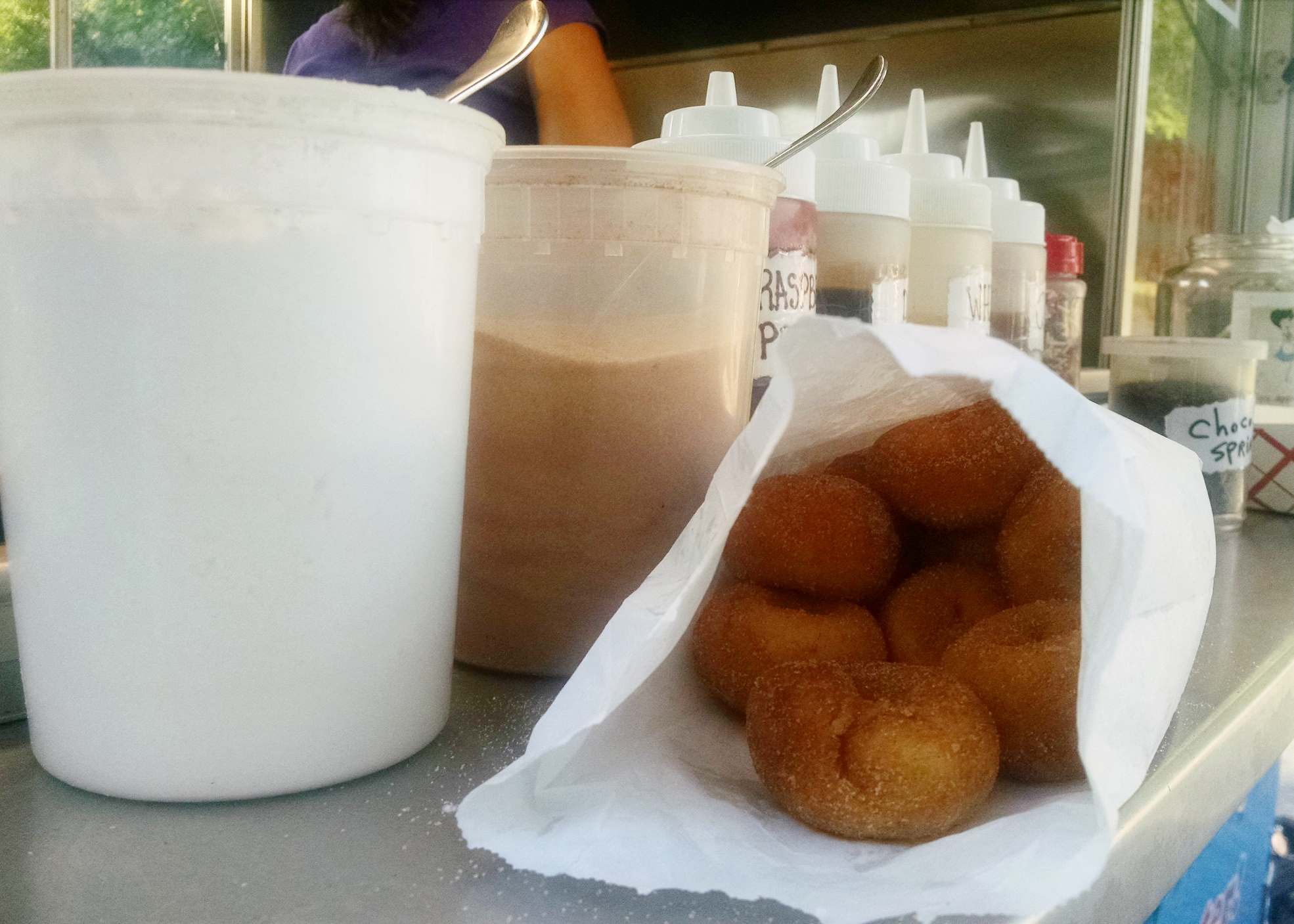 Highlight of the week had nothing to do with running.  Donuts fresh from the food truck at the farmer's market!