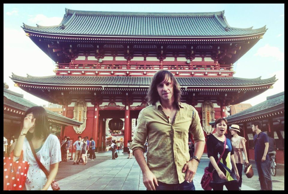The Sonic Universe, a.k.a. Alex Arndt visiting Tokyo temple while on music tour