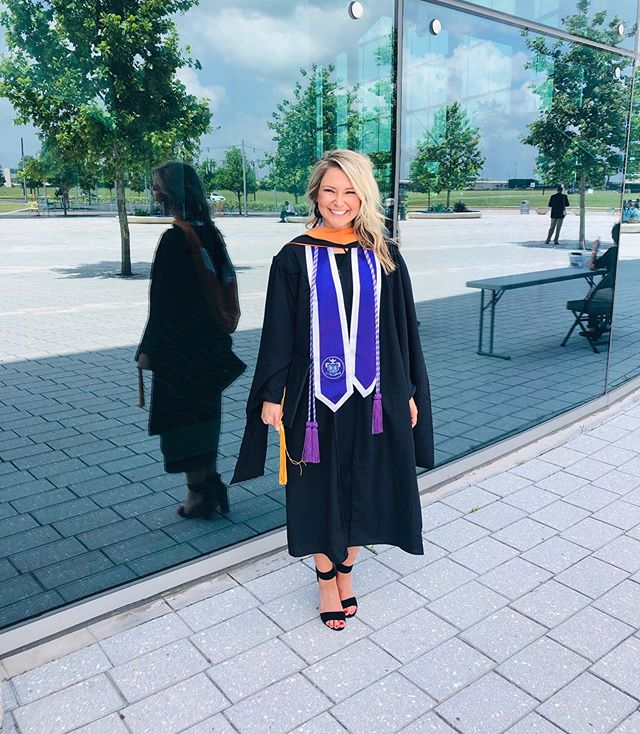 Graduation day!! Worked hard to wear this hood and cords 👩🏼‍🎓👩🏼‍⚕️👩🏼‍⚕️
