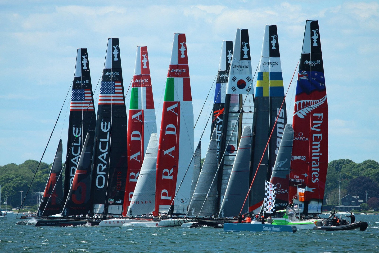 The reaching start in the Americas Cup foiling catamarans has replaced the upwind monohull start