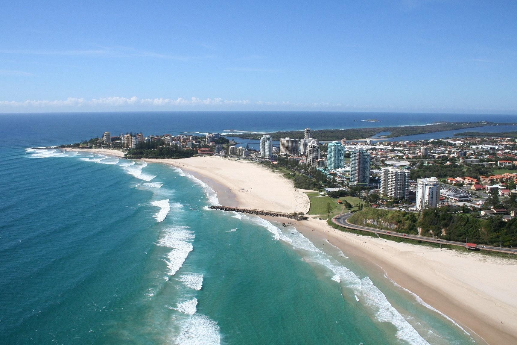 Queenslands Kirra Beach