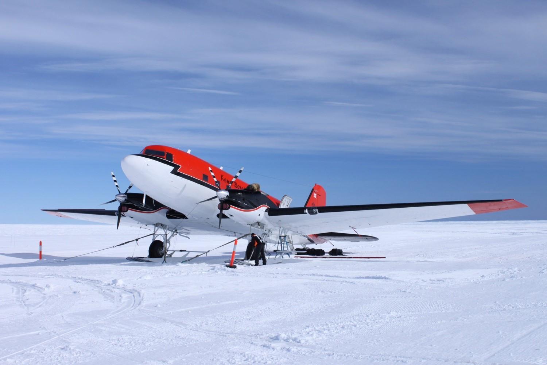 Chartered Basler (Kenn Borek Air) at Woop Woop skiway, Davis Station.jpg