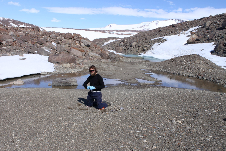 Soil sampling near Lake Terrasovje_Photo_ Adrian Corvino.jpg