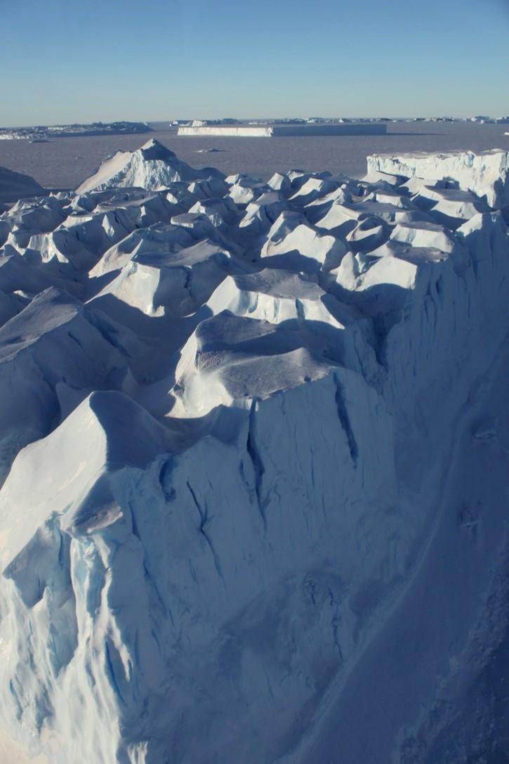 Stranded iceberg from the air.jpg