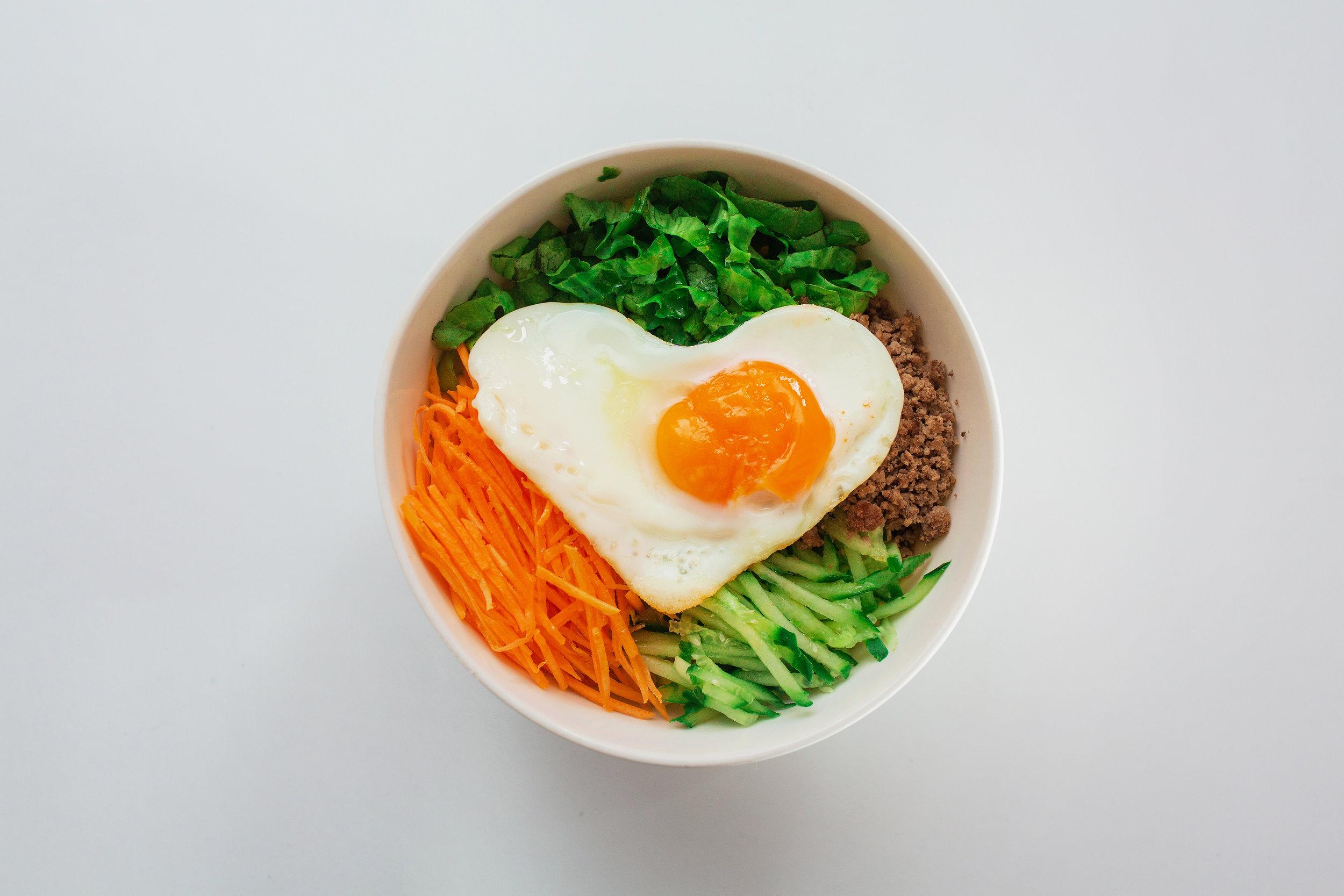 BIBIMBAB* - Beef, lettuce, carrot, cucumber, egg, rice, sesame oil and korean pepper pastesmall / big260kgs / 330kgs230kgs / 290kgs(*vegetarian option)