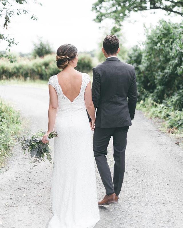 always beside me... always you love me.♡. happy weekend!..🌿. . . . . . . . #bride#brud#groom#summerwedding  #weddingdress#bymalinabridal #weddingphotography  #beauty#details#weddinginspo#brudbukett #brollopsfotografer#bröllopsfotograf #storiesbybettie#always#forever
