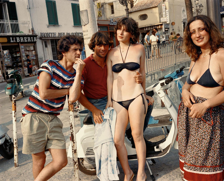 10 PG+8+woman+on+vespa,+cover+image+Amalfi+82+(Dolce_Via_9).jpg