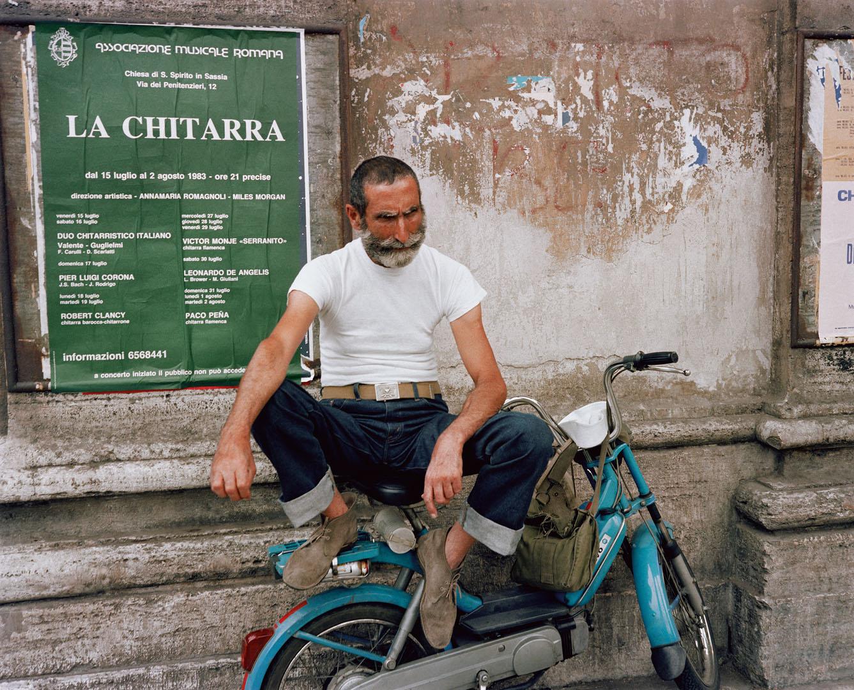 11 PG+48+man+sitting+on+bike+Rome+83(Dolce_Via_47).jpg