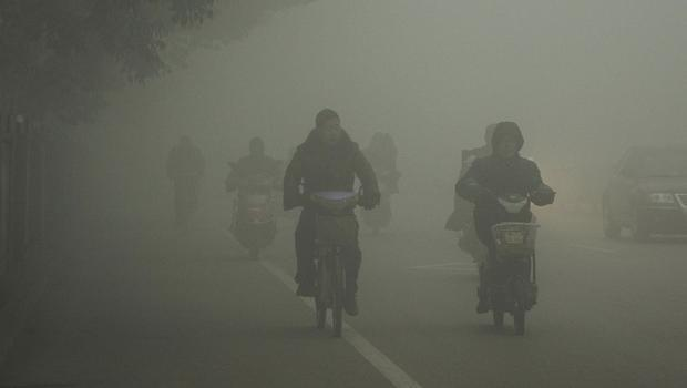 China_pollution_AP971430398958.jpg
