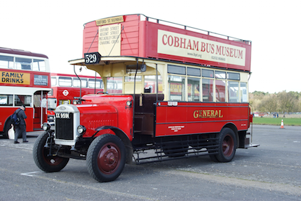 London_General_Omnibus_Company_bus_D142_XX_9591_2010_Cobham_bus_rally.png