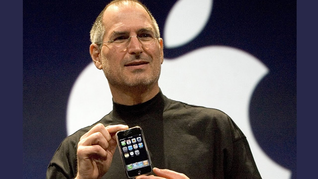 steve-jobs-iphone.jpg