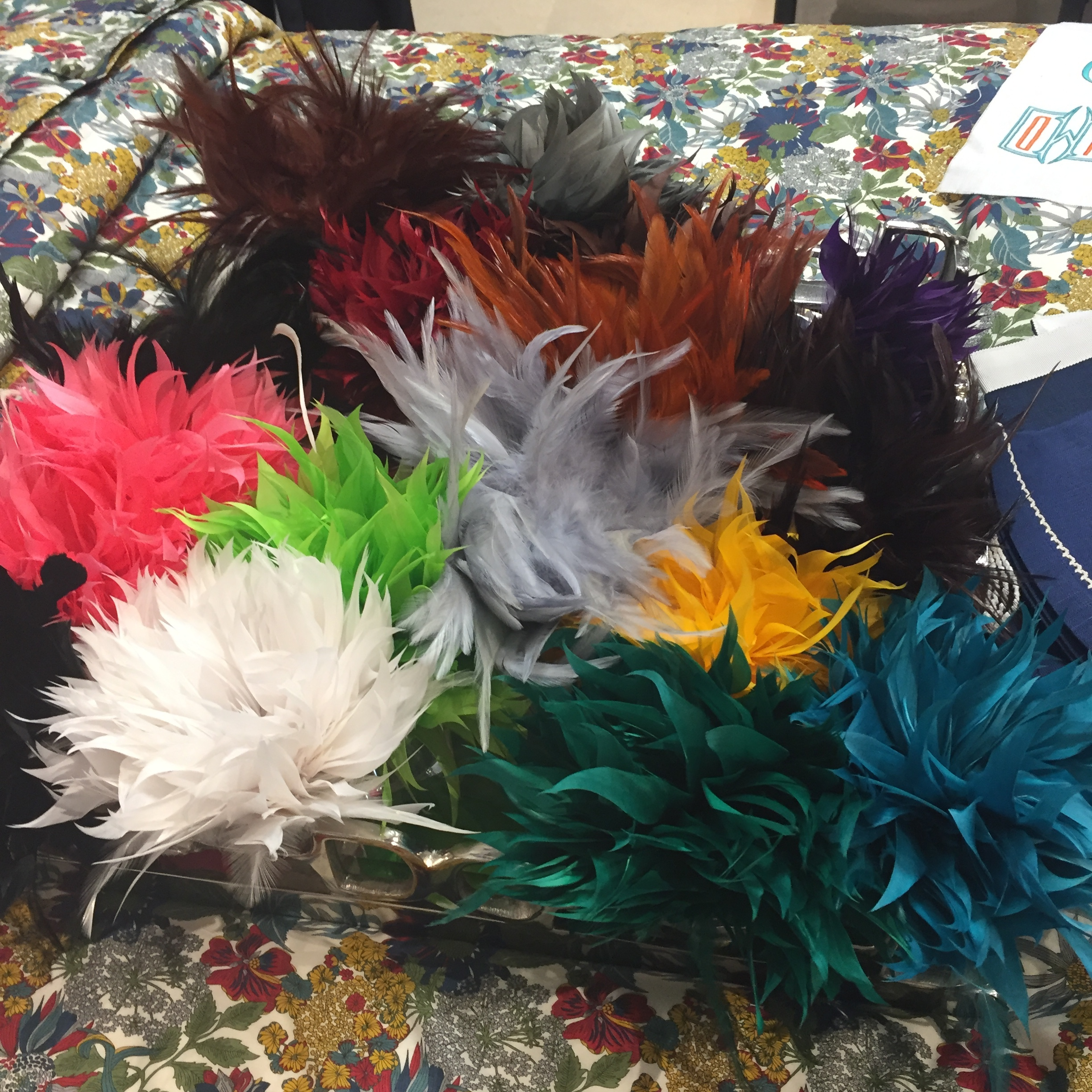 Playful feather napkin rings - what a way to dress up a table!