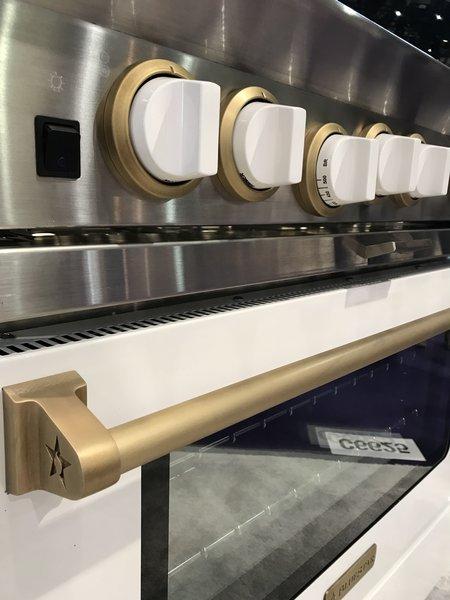jennifer-lynn-interiors-dutchess-county-interior-design-gold-white-oven-knobs.jpg