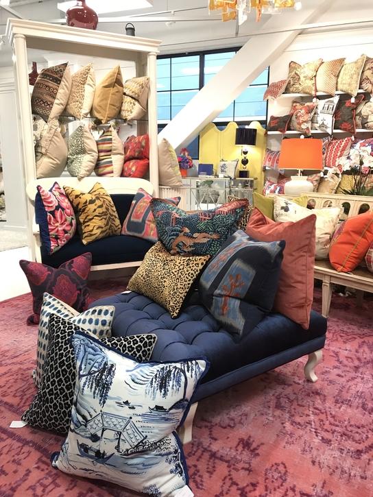 jennifer-lynn-interiors-dutchess-county-12401-design-home-trends-spring-pillows