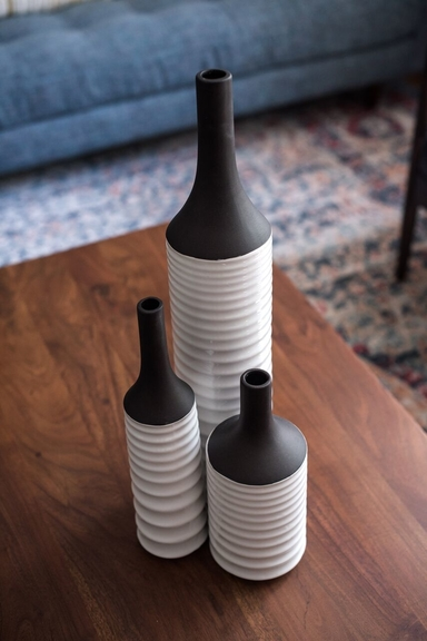 modern-farmhouse-accessories-bottles-wood-table