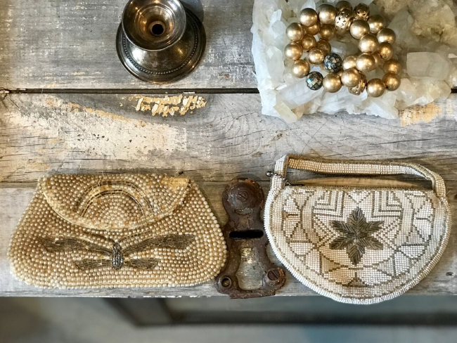 jennifer-lynn-interiors-12401-inspiration-kingston-ny-accessories-gold-antiques