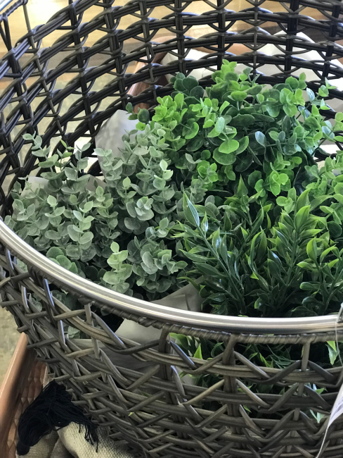 jennifer-lynn-interiors-12401-inspiration-kingston-ny-basket-plants-herbs