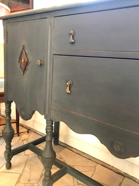 jennifer-lynn-interiors-12401-inspiration-kingston-ny-matte-bronze-credenza-antique