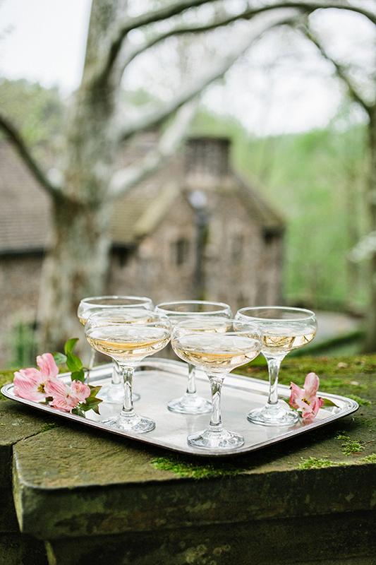 HNP-Modern-Fairytale-Spring-Wedding-Styled-Shoot_017.jpg