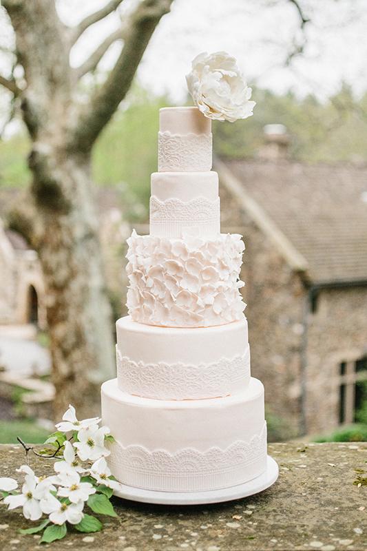 HNP-Modern-Fairytale-Spring-Wedding-Styled-Shoot_124.jpg