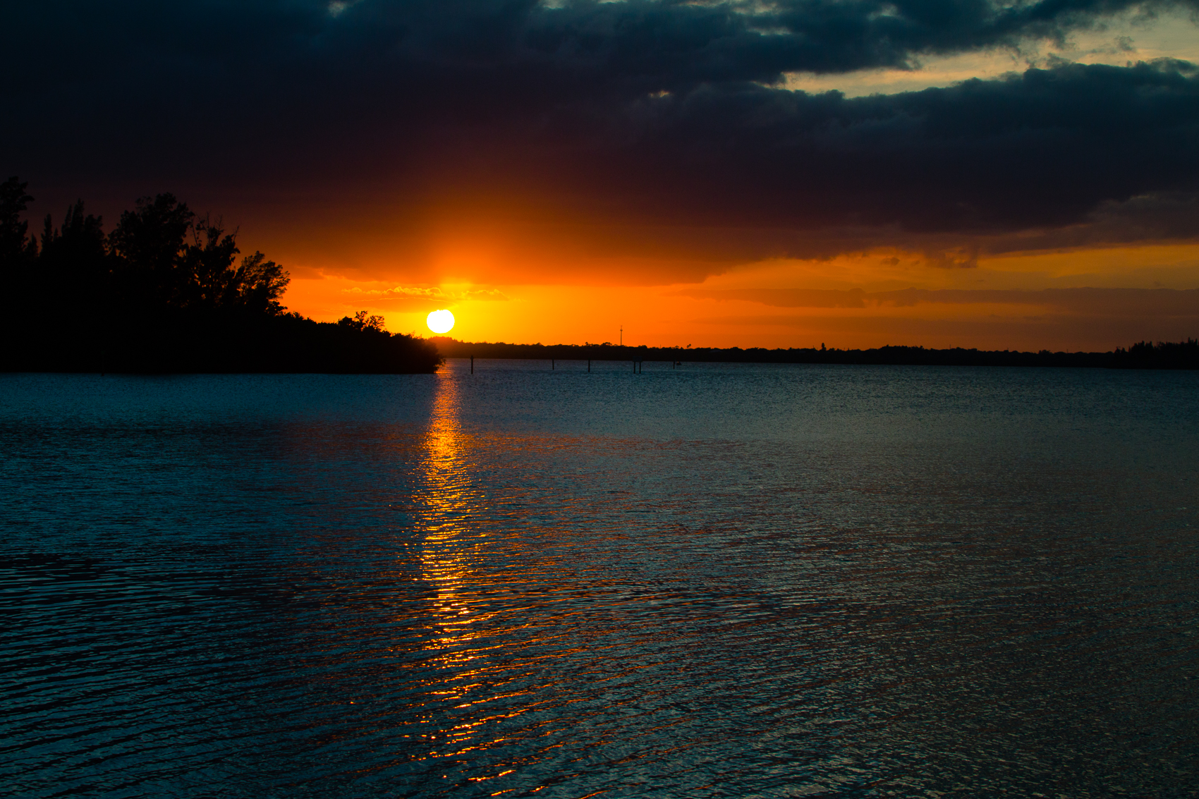 Sunset over Indian River Lagoon_ FlBoatRentals_natehphoto-7778.jpg