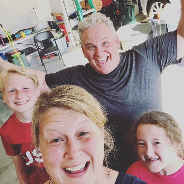 We finally figured out the answer to the question: What gift do you give the man who has everything (including a badass wife)? You help him clean the garage! Obviously. 😳 #umsurehoney #onlyninetydegrees #nobiggie #wemissyoujames #HappyFathersDay