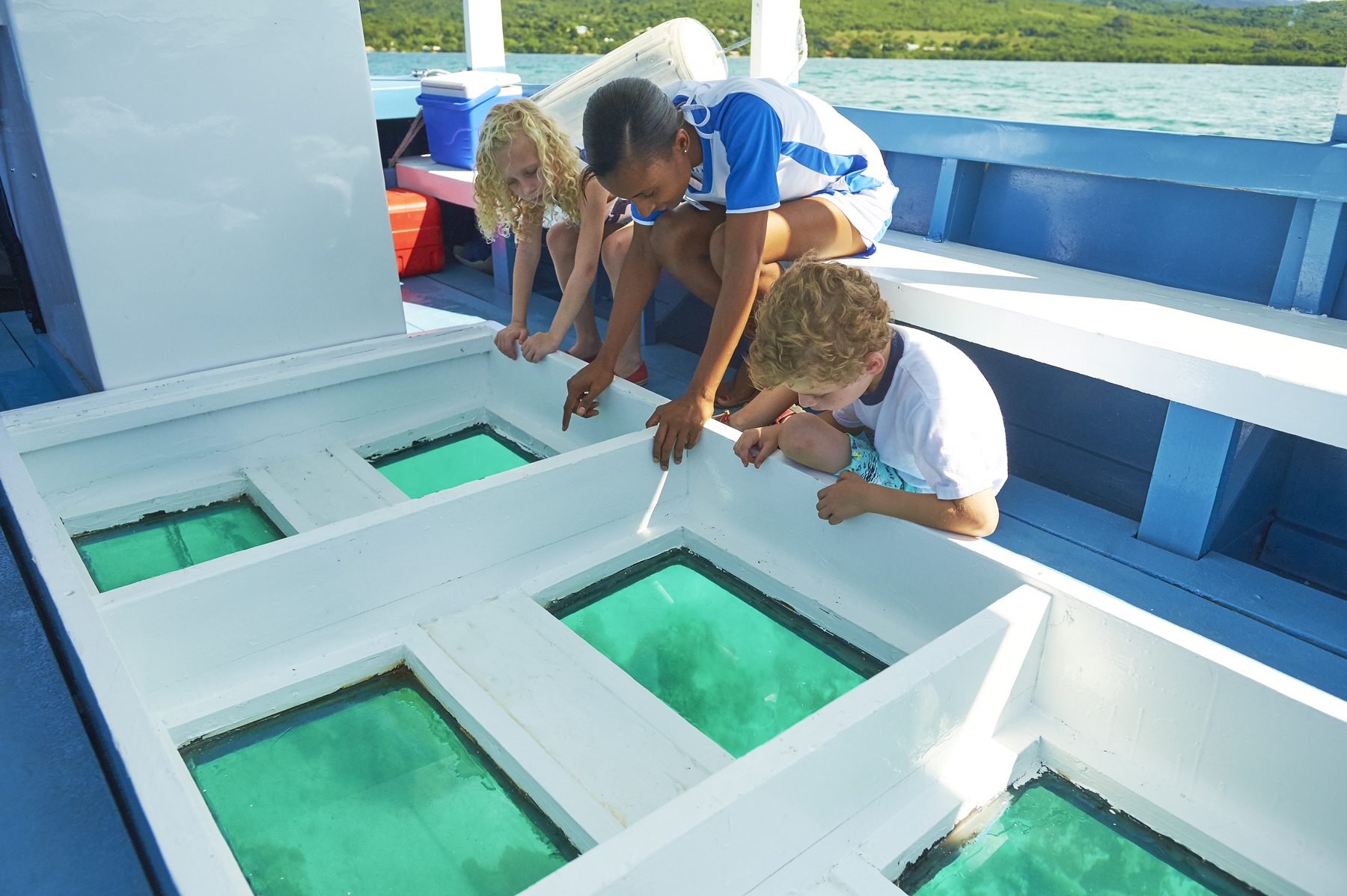 Glass bottom boat-026.jpg
