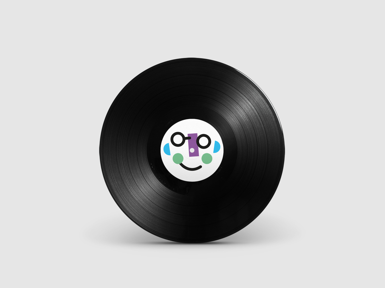 Roberto B Vinyl.jpg