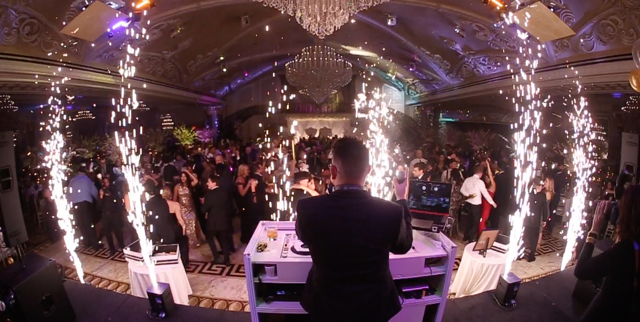 Imagine the feeling of having 500+ people at your event, and seeing them all on the dance floor...