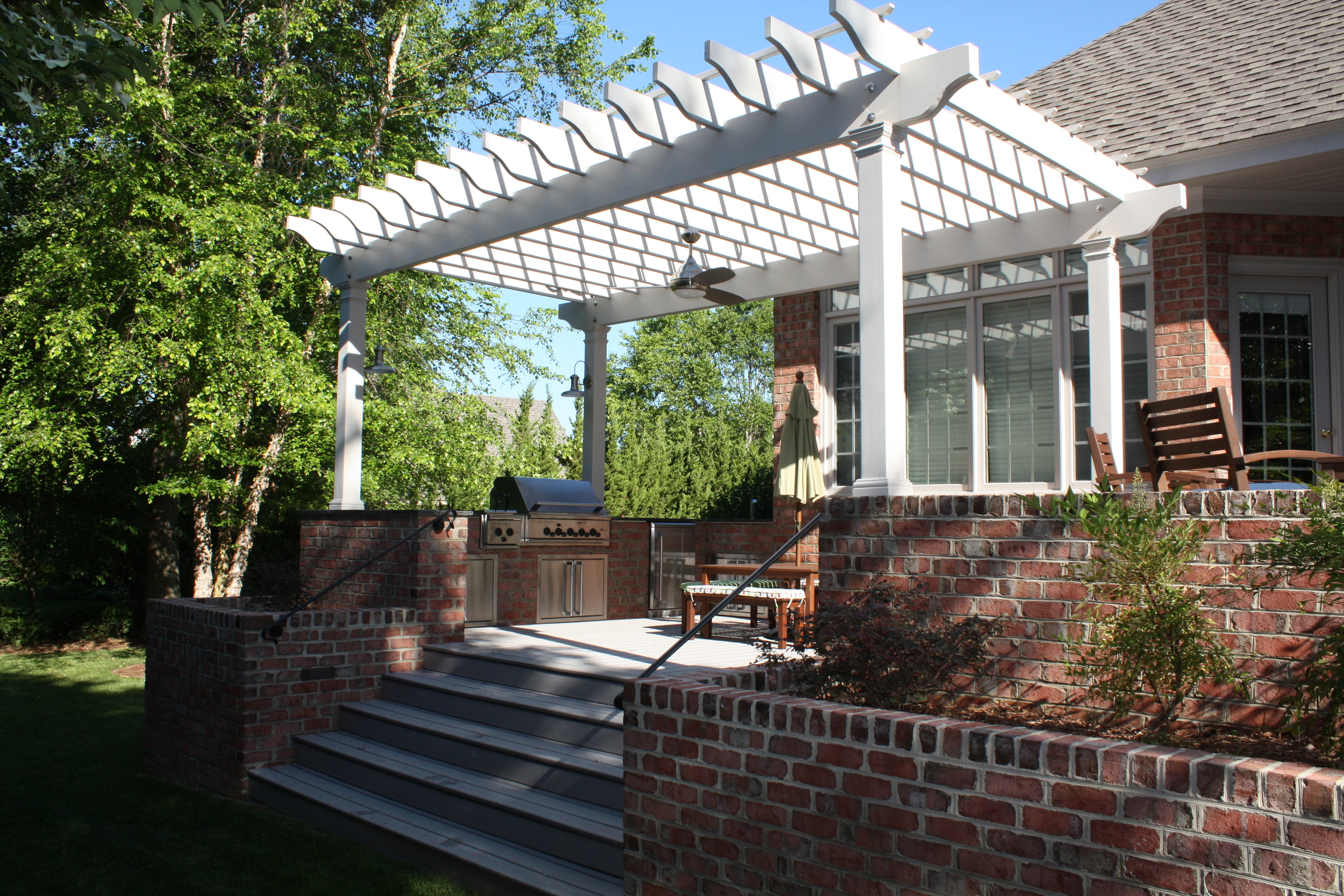 Kingsmill Outdoor Kitchen and Deck