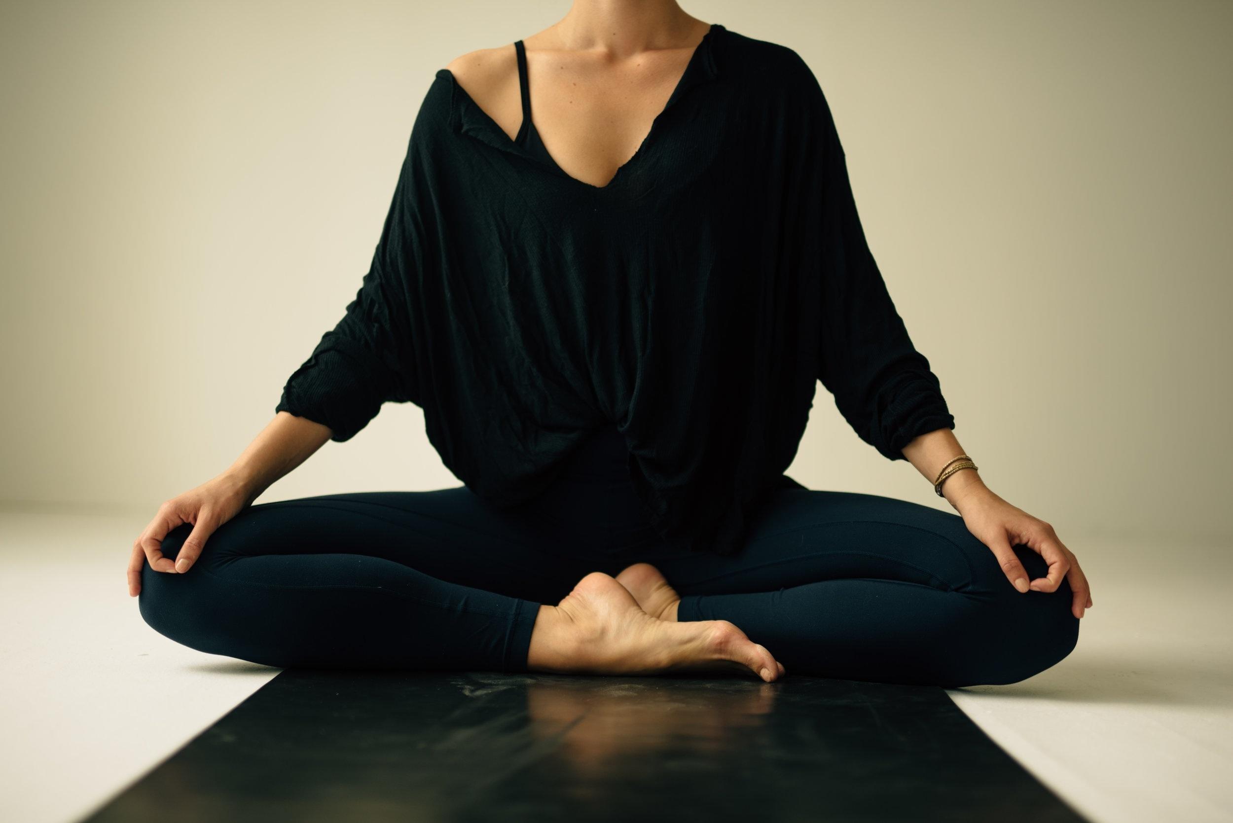 Renee-Yoga-July2019-JenniferMcCord-Edits-380.jpg