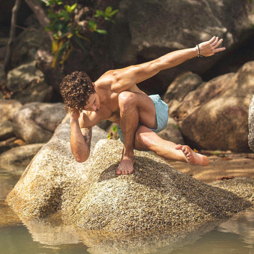 Dan Morgan Yoga | Dan Morgan Bodyworker | Yoga London | Yoga Brighton | Massage Therapy Brighton |