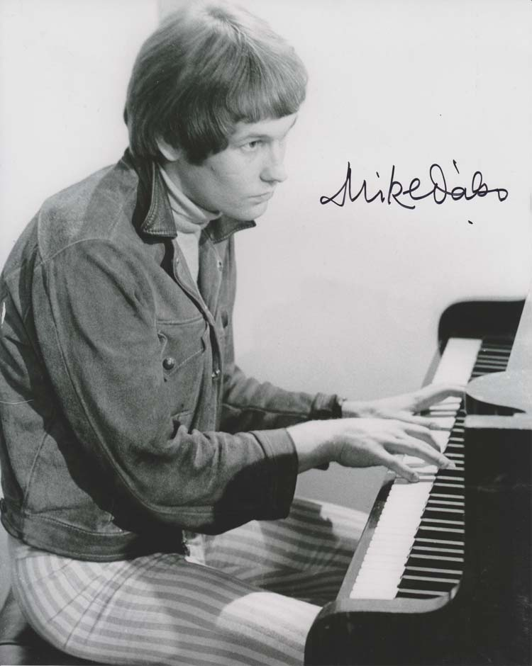 Mike d'Abo in his Manfred Mann days will be replacing Chris Farlowe in the Sensational 60s Experience Tour.