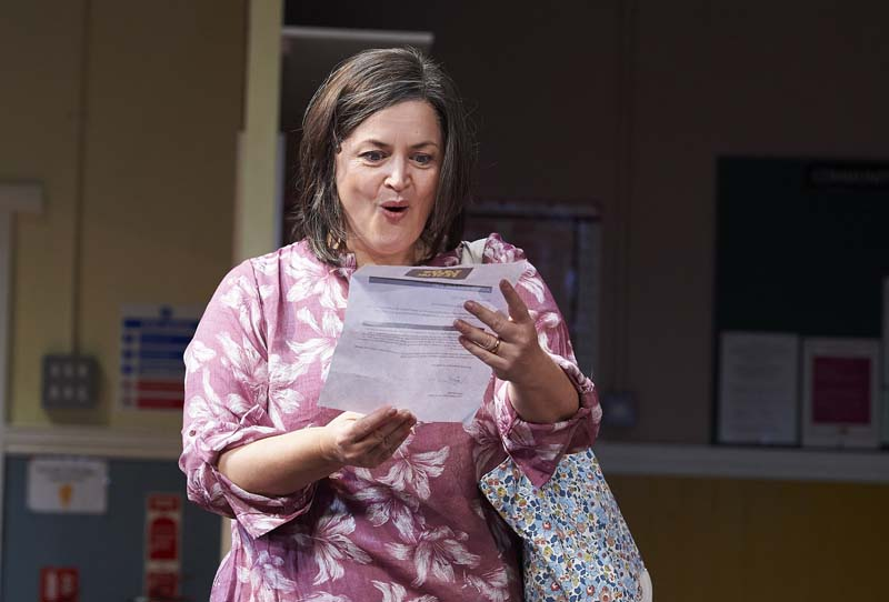 Ruth Jones returns to the stage as Maggie in TWilliam Gaminara's  The Nightingales  at Cardigg's New Theatre from November 19-24, 2018. All Pictures: Geraint Lewis.