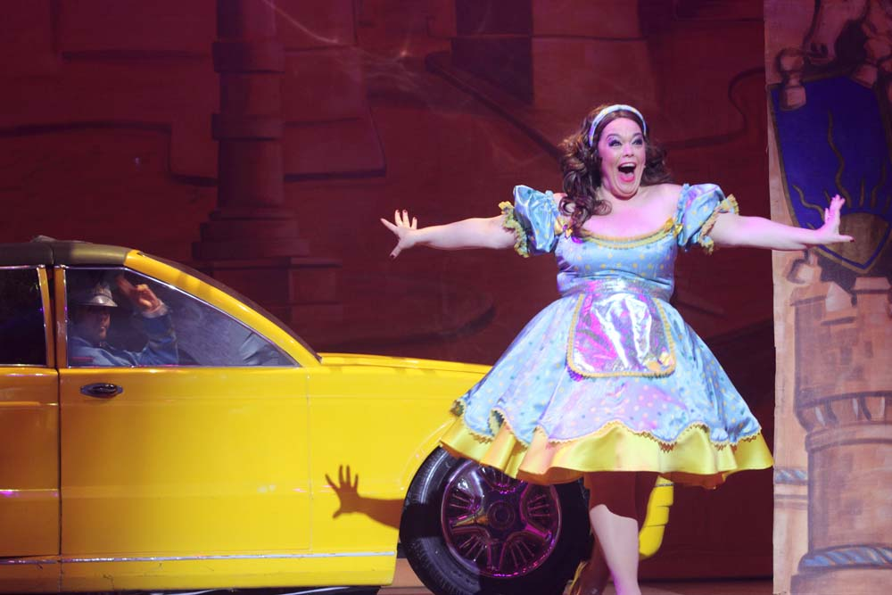 Lisa Riley stars as Mrs Potts in  Beauty and The Beast  at Cardiff's New Theatre from December 8 2018 - January 13 2019. All Photographs by Brian Tarr.