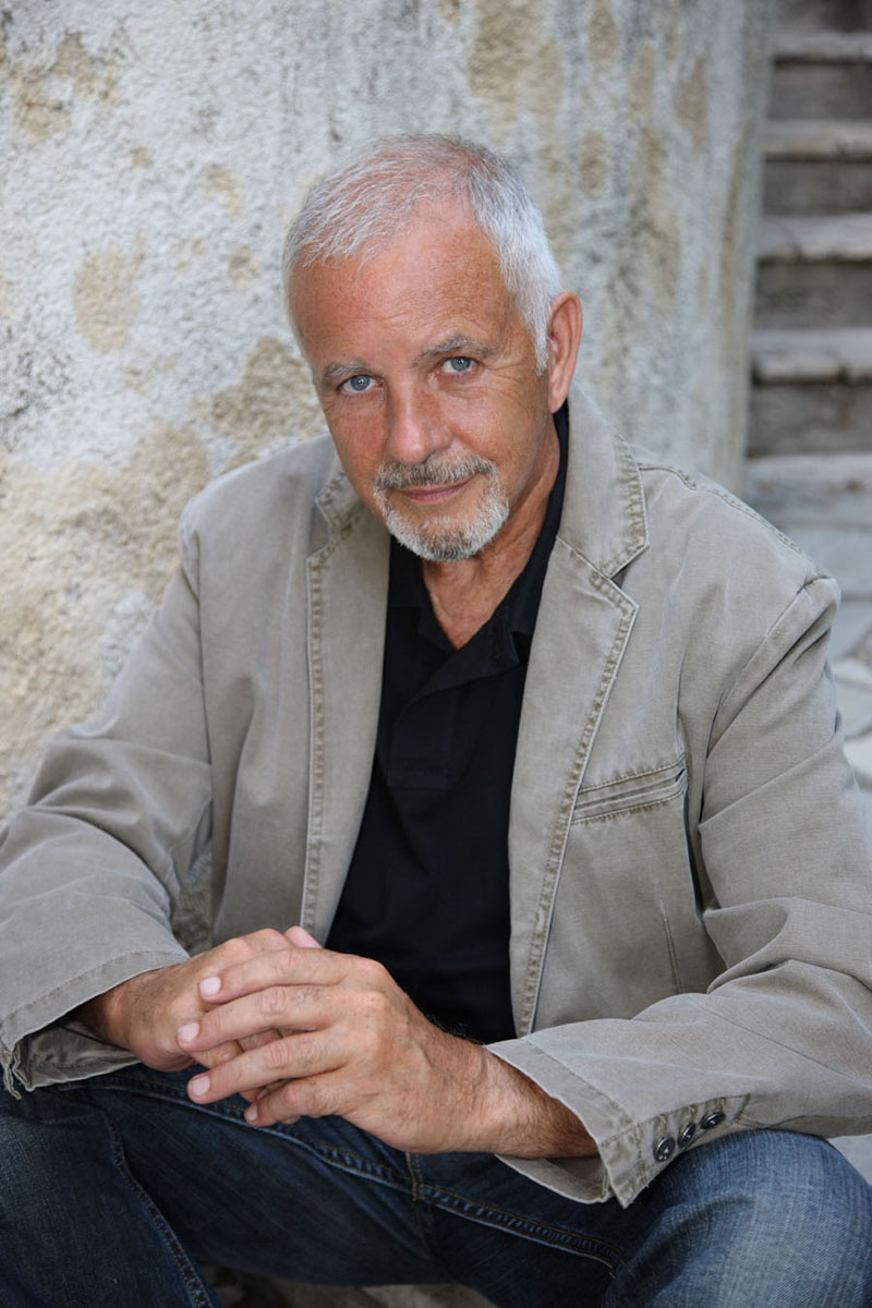 David Essex OBE will play a selection of chart hits at Legends Live in Cardiff Motorpoint Arena on April 6.