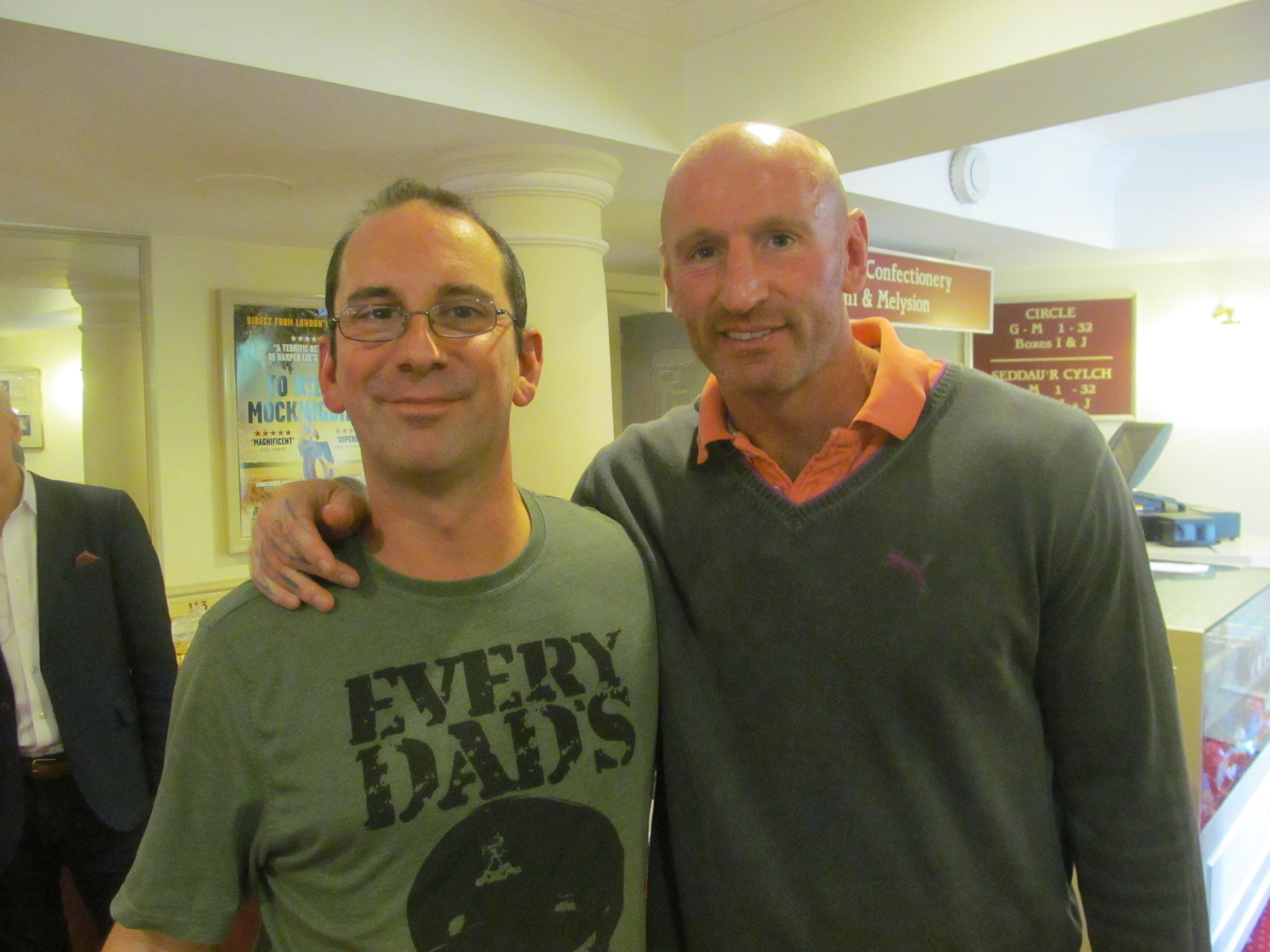Andy Howells pictured with Welsh Rugby star, Gareth Thomas at Cardiff's New Theatre.