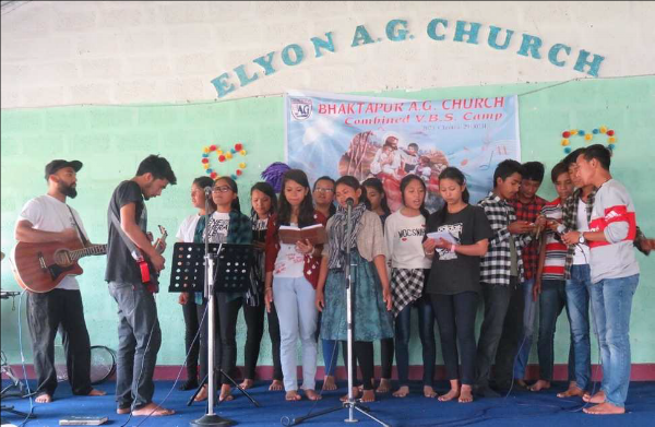Praise & Worship at VBS – Nepal