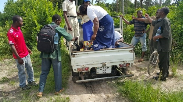 En Route to Zingwezingwe Village Outreach – Zanzibar, Tanzania