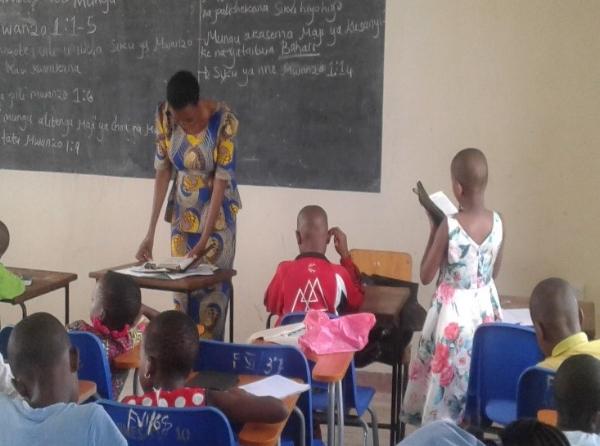 Kids in Audio Bible Class – Tanzania