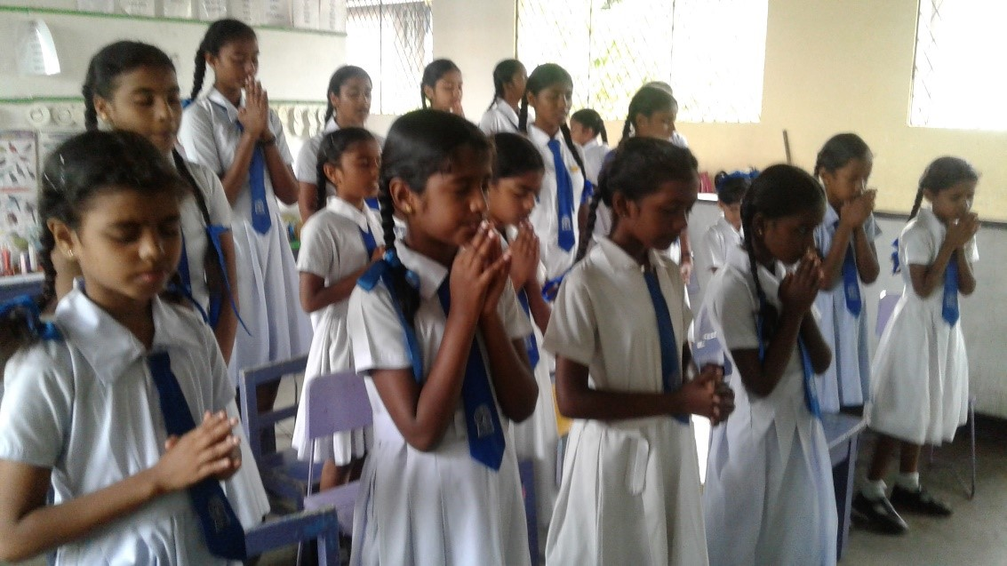 Time to Pray – Bible Club in Sri Lanka