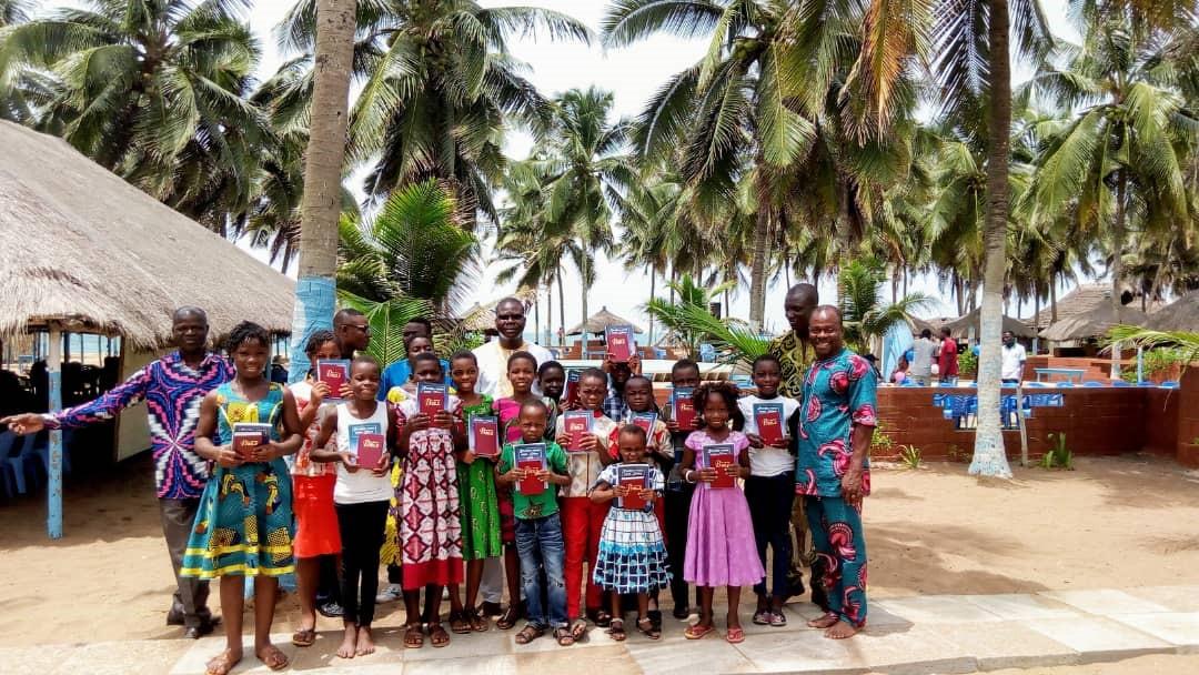 Group Photo - Rally on the Beach - Togo