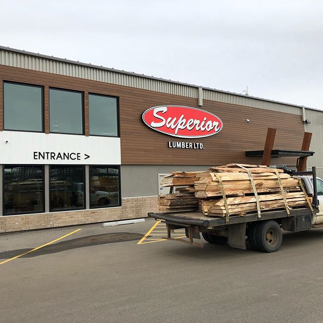 This past week we hauled in many huge loads of awesome local kiln dried slabs to our good friends at @superiorlumber We have hundreds of slabs to chose from in all shapes and sizes, By far the largest selection in town. #localslabs #liveedgeslab #yegwoodworkers #suportlocal #checkoutthegraininthewood
