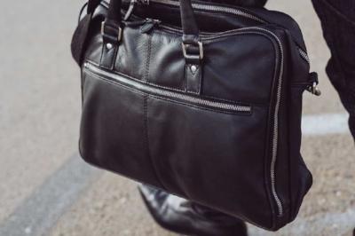 leather-faraday-briefcase-silent-pocket-street_1024x1024.jpg