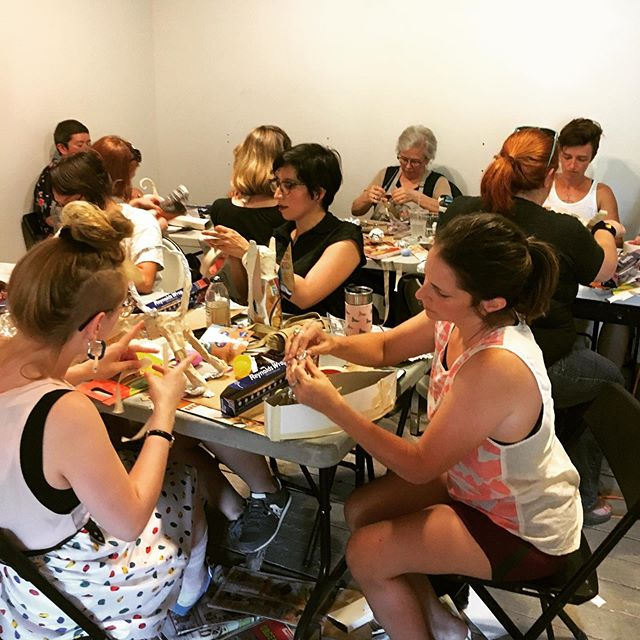 Building paper mache creatures with Miranda Cohen was so magical last week! We're looking forward to part 2 of this workshop on Thursday followed by Miranda's Featured Artist show, Tiger Burning Bright, this Friday. If you didn't get to attend the workshops come check out her work on Friday night at the Museum of Human Achievement! 🐯🎨