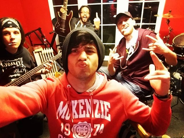 lets do a recordage, with the most dickish band of all time @benzokayn  #recording #covers #coversong #readytogo #fridayfeeling #friday #music #recording #london #bexleyheath #bexley #dicks #penis #male #model #vogue