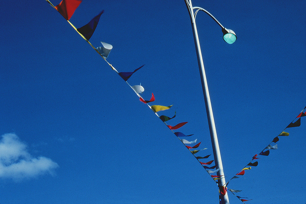 flags_lamp_sky.jpg